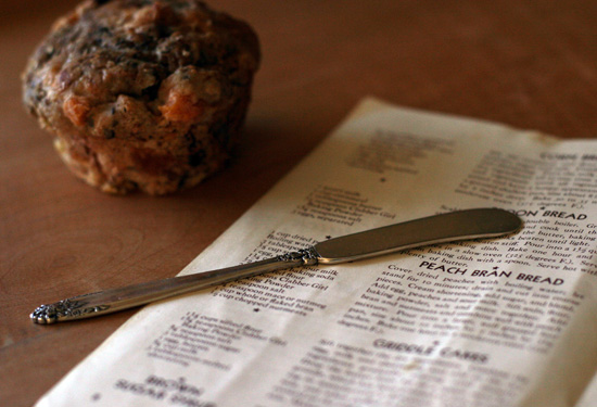 Banana Peach Bran Muffin with Cookbook and Butter Knife | pinchmysalt.com