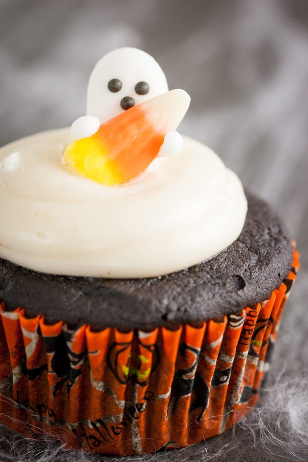Double Chocolate Pumpkin Cupcakes with Spiced Cream Cheese Frosting ...