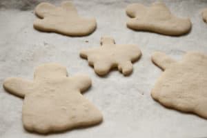 Halloween Ghost Sugar Cookies Unfrosted | pinchmysalt.com