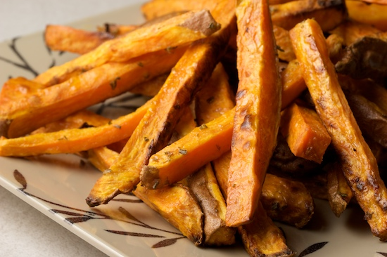 Oven Baked Sweet Potato Fries with Rosemary and Garlic | pinchmysalt.com