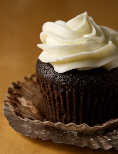 Chocolate Stout Cupcakes with Vanilla Cream Cheese Frosting