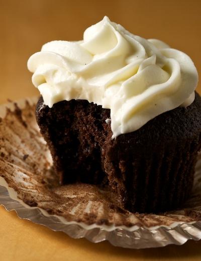 Chocolate Stout Cupcakes with Vanilla Cream Cheese ...