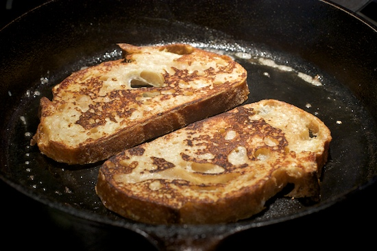 Skillet French Toast | pinchmysalt.com