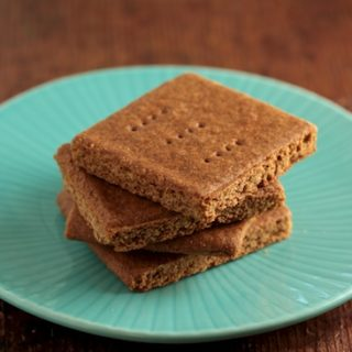 Wordless Wednesday: Graham Crackers and Marshmallows