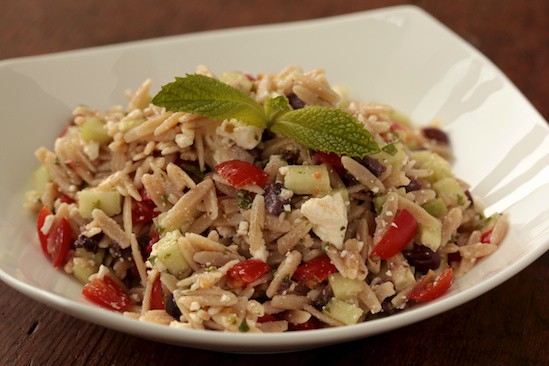 Whole Wheat Greek Orzo Salad recipe | pinchmysalt.com