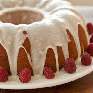 Food Blog Friday: Lemon Buttermilk Pound Cake