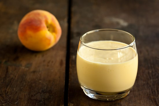 Creamy Peach and Greek Yogurt Smoothie