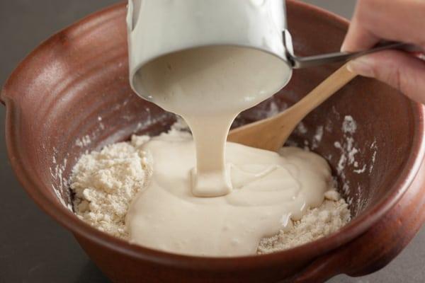 Adding sourdough starter | pinchmysalt.com