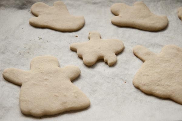 Halloween Ghost Sugar Cookies Unfrosted | pinchmysalt.com