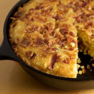 Skillet Cornbread with Fresh Cut Corn and Bacon | pinchmysalt.com