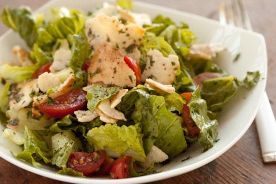 Fattoush - a Lebanese salad recipe | pinchmysalt.com