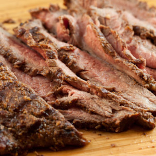 Spice-Rubbed Flank Steak | pinchmysalt.com