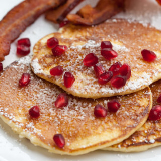 Light and fluffy lemon pancakes recipe | pinchmysalt.com