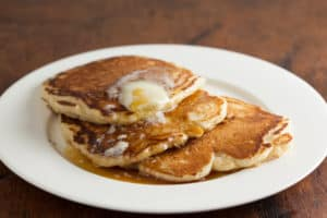 Easy overnight buttermilk sourdough pancakes | pinchmysalt.com