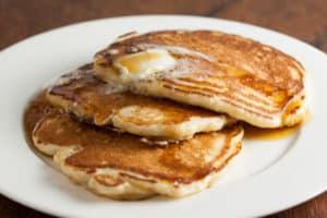 Easy overnight buttermilk sourdough pancakes | pinchmysalt.com